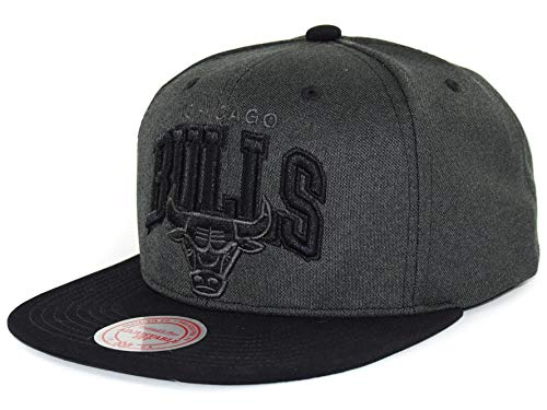 Mitchell & Ness NBA - Gorra plana con visera (3D Arch - Chicago Bulls), color gris y negro